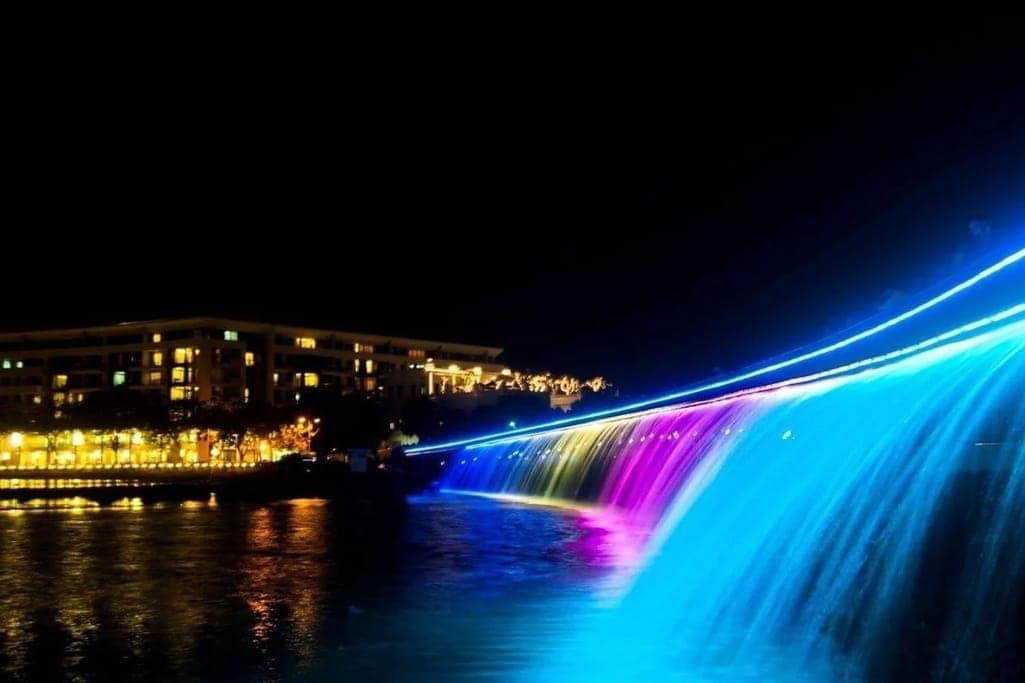 10 địa điểm vui chơi trung thu ở Sài Gòn-Cầu Ánh Sao, Hồ Bán Nguyệt
